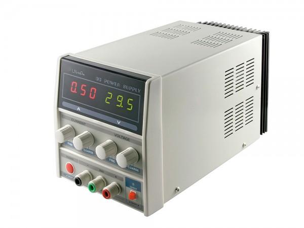 Labornetzgerät stabilisiert, regelbar von 0-3 Ampere mit LED Display